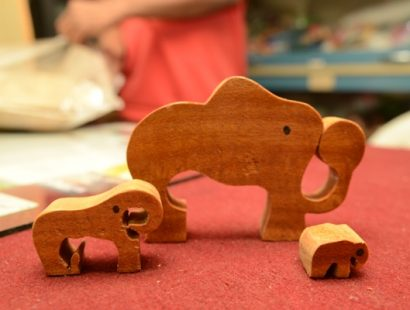 13. Green Gifts-Pine wood artifacts f