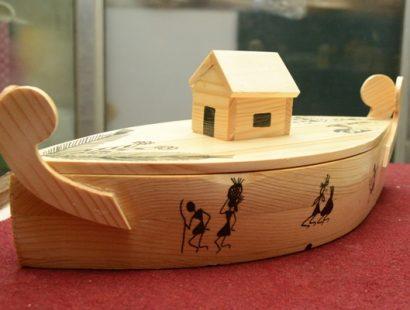 Green Gifts-Pine wood artifacts b